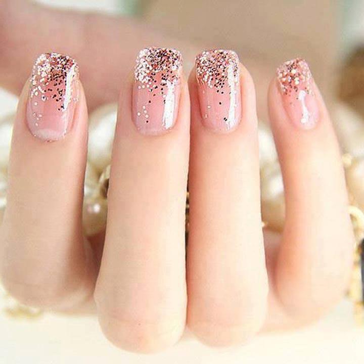 Дизайн нарощенных ногтей из блесток
