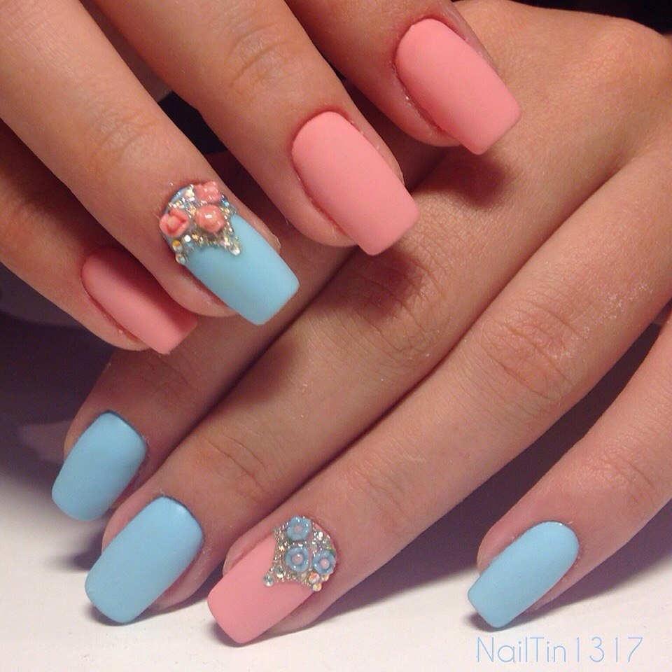 Голубо-розовый маникюр фото