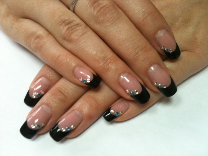 Дизайн ногтей френч черный фото