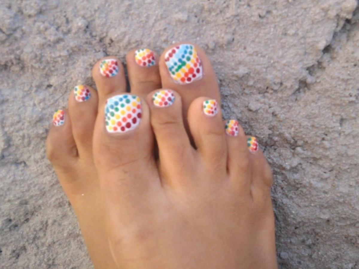 Шеллак на ногах дизайн лето