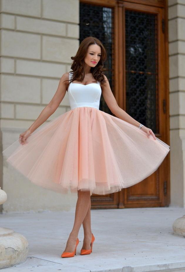 Вечернее платье пышное до колен