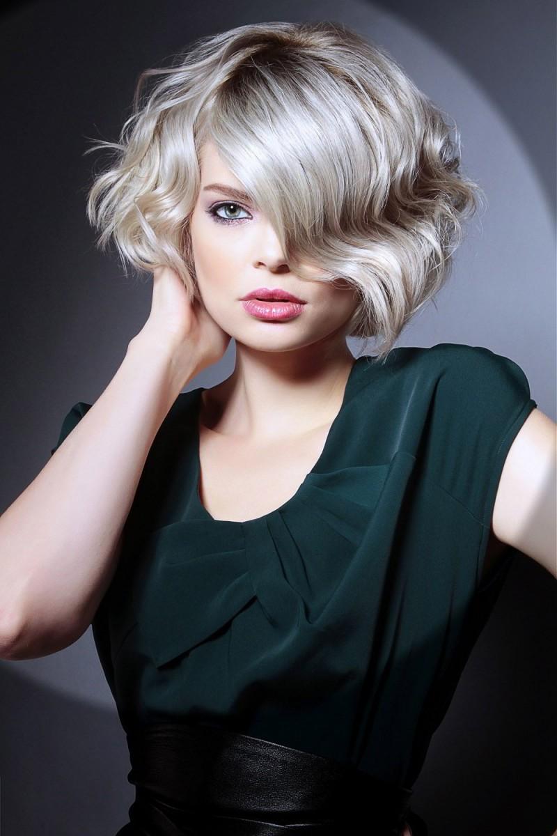 Модные прически 2017 женские на средние волосы фото