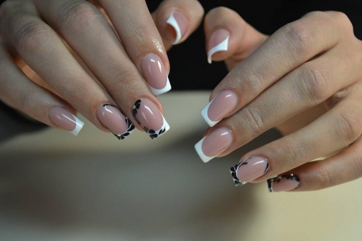 Наращивание ногтей фото новинки 2018 френч разных цветов форма