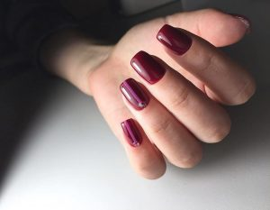 Маникюр бордовый фото