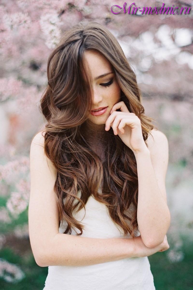 естественные прически на длинные волосы фото