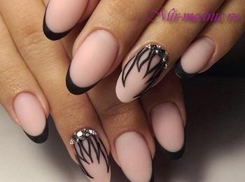 Маникюр для овальных ногтей