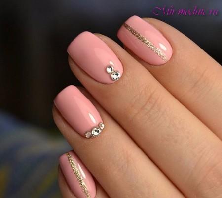 Простые рисунки на розовых ногтях - красивый маникюр