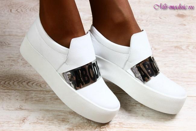 Модные кроссовки весна лето 2017