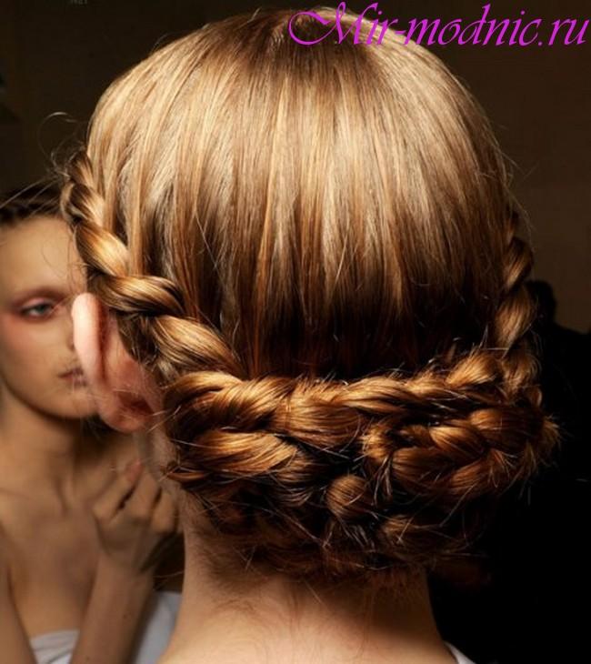 Прически на 1 сентября на средние волосы