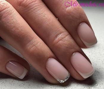 Нежный дизайн ногтей фото
